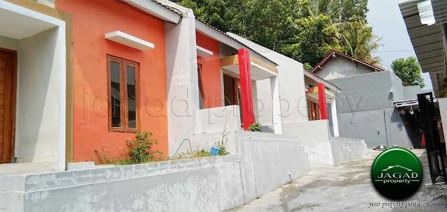 Rumah Minimalis dalam Cluster di Bangunjiwo