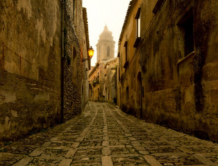 24. Erice, Sicily, Italy - 29 Most Romantic Alleys to Hike