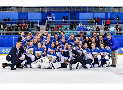 HOCKEY HIELO - Finlandia se hace con el bronce en la competición femenina