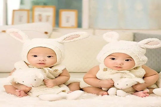 twine baby look cute