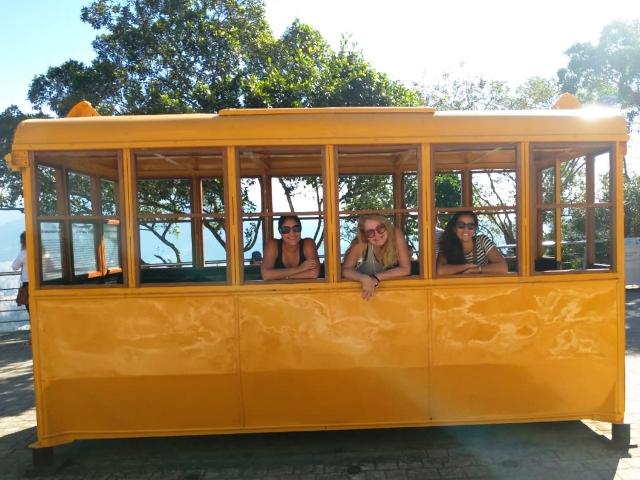 Regina Oki, Eu e Júlia Sampaio no Tour Ecológico do Bondinho Pão de Açúcar