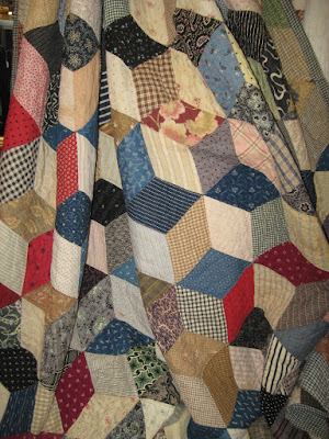 vintage tumbling blocks quilt