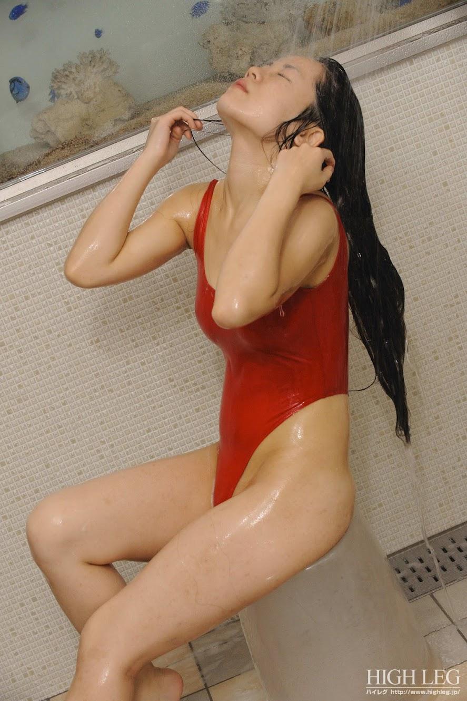 highleg ogura miyu shower