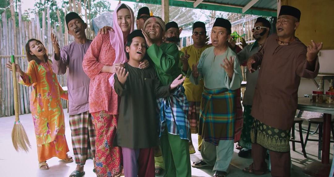Pelakon Kampong Pisang Musikal Raya Istimewa