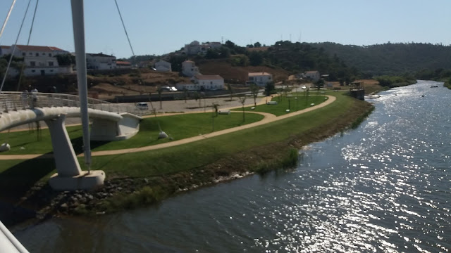 Zona Ribeirinha Relvado em Odemira