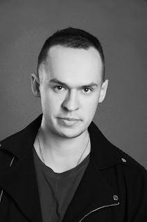 """""""Poezja była niemodna i dopóki tak jest – jest poezją"""" - wywiad z Piotrem Barańskim, autorem tomiku wierszy pt.  """"Znowu"""""""