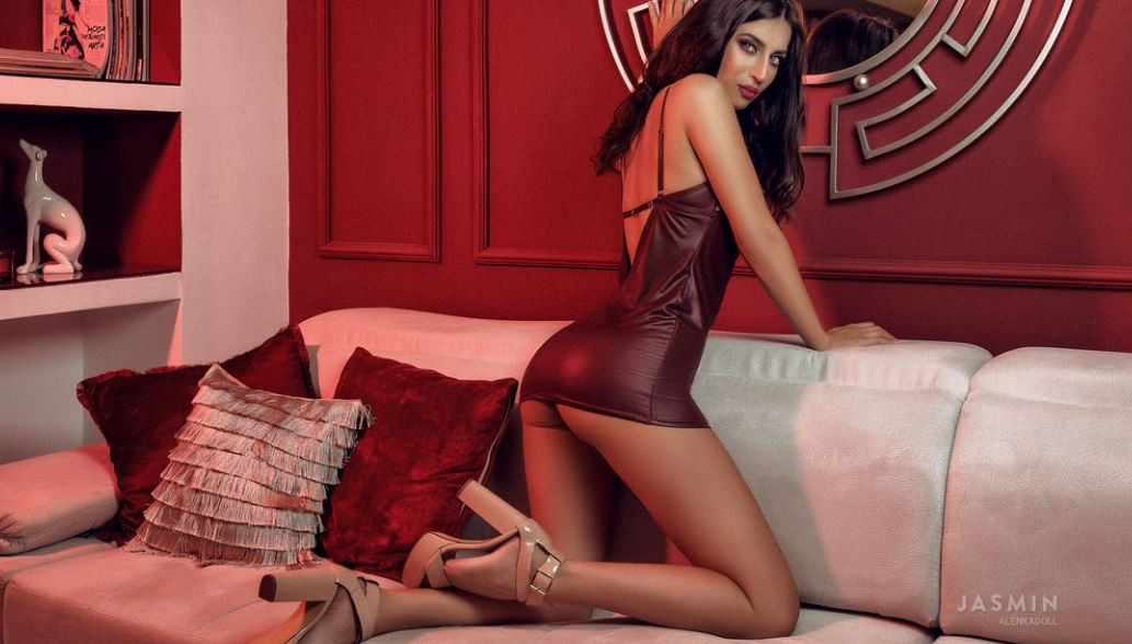 AlenkaDoll Model GlamourCams