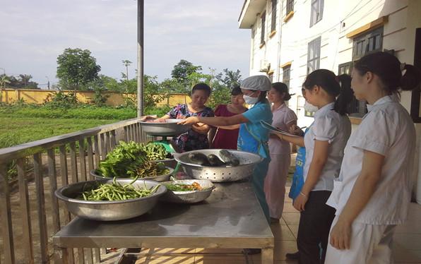 Sáng kiến kinh nghiệm chế biến món ăn cho trẻ mầm non