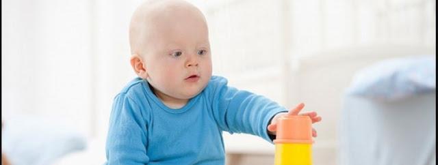 Perkembangan Tangan Bayi Usia 8 Bulan