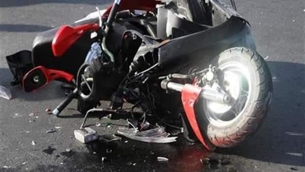 إصابة شخص فى انقلاب دراجة بخارية على الطريق بسوهاج
