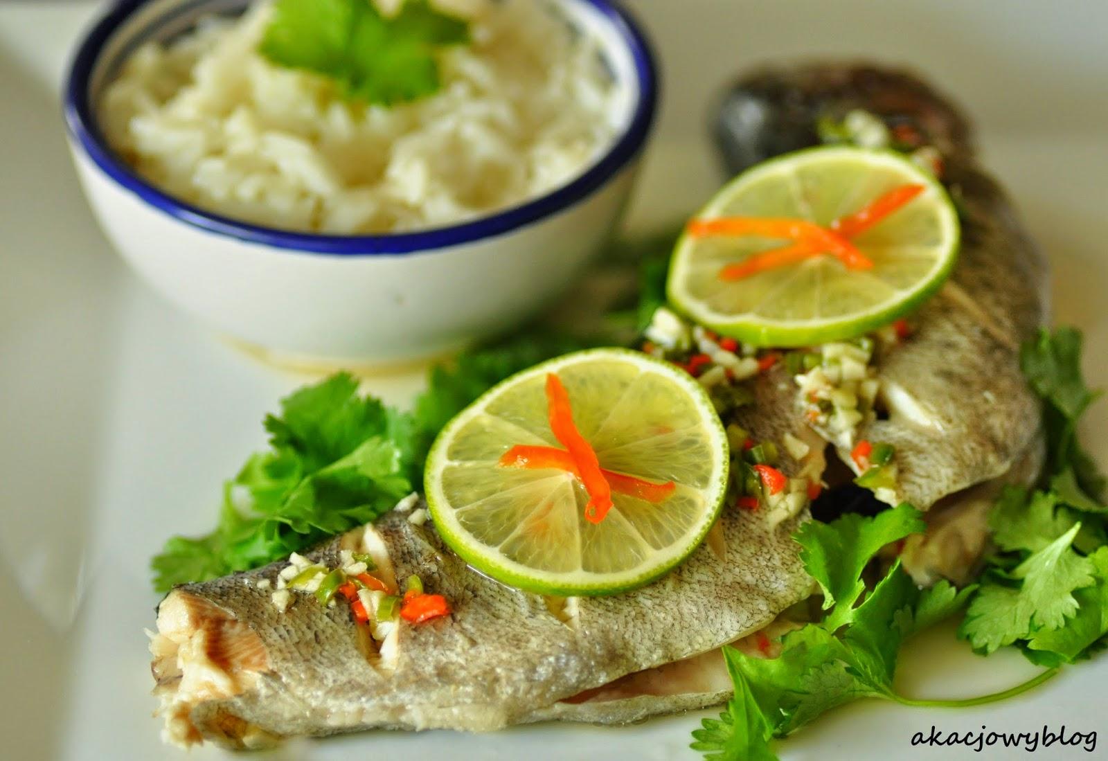 Tajska ryba gotowana na parze.