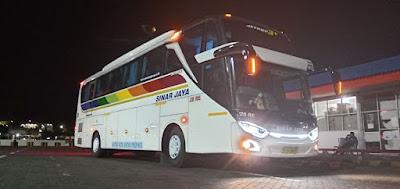 Foto Bus Sinar Jaya Malam 28RE
