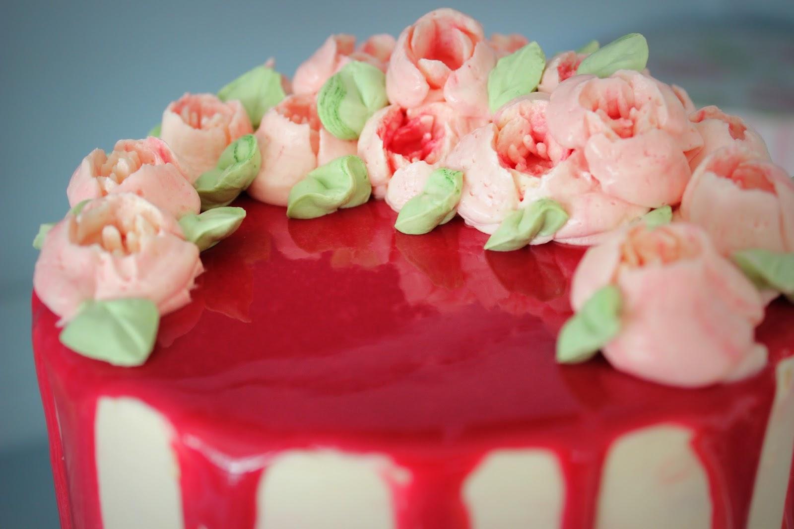 estela 39 s sugar art erdbeer torte mit mirror glace buttercrem blumen. Black Bedroom Furniture Sets. Home Design Ideas