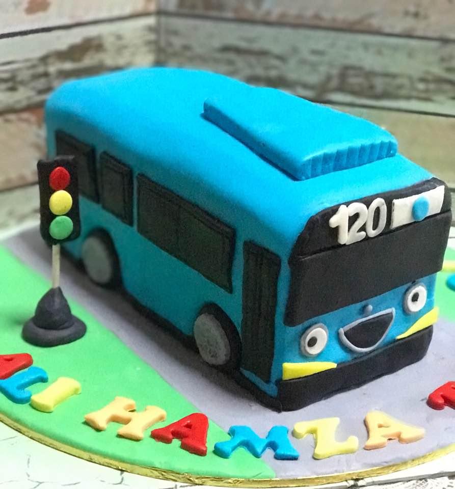 Izah's Kitchen: 3D Tayo The Little Bus Cake, Halal Tayo