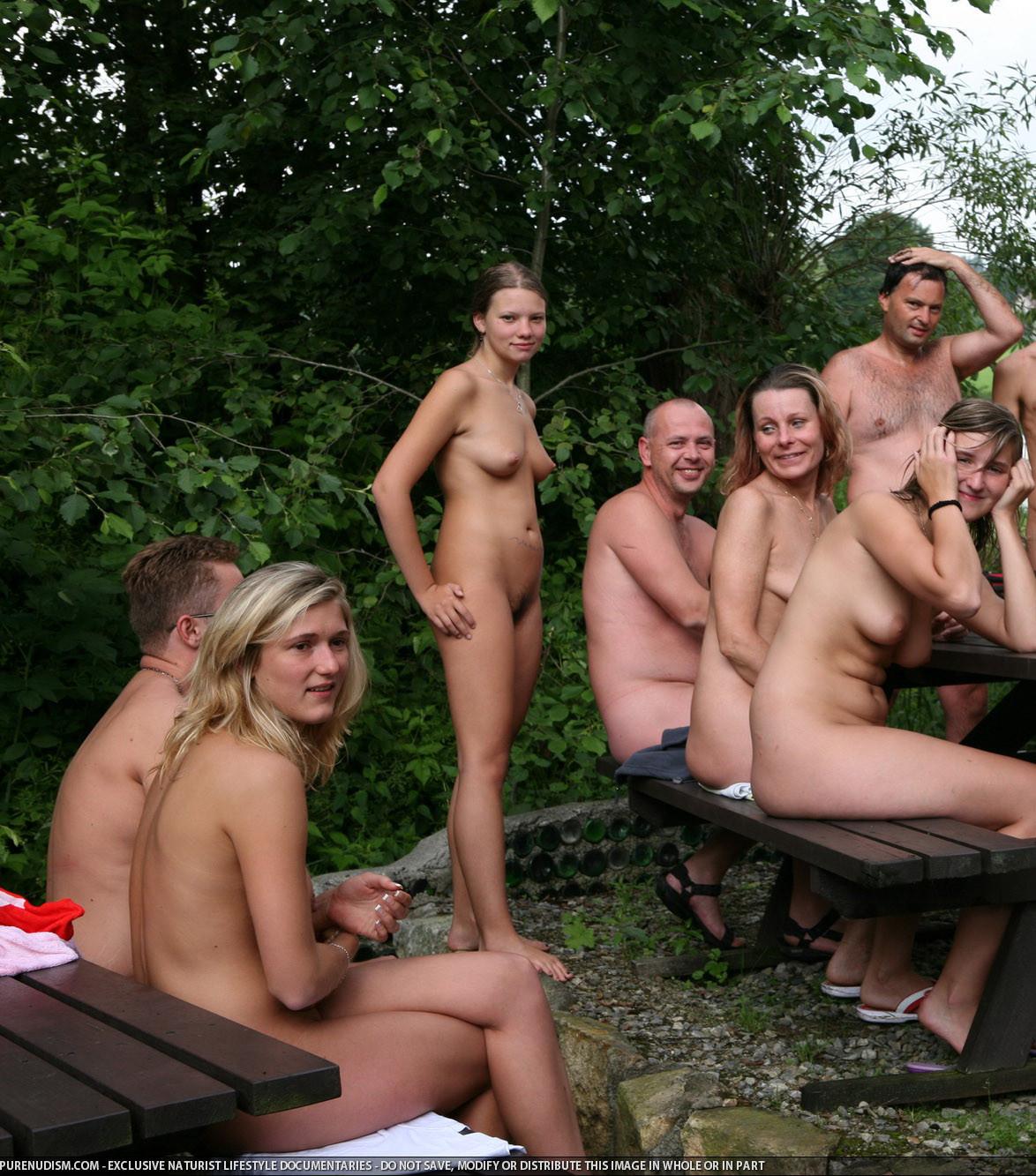 Nude Social 39