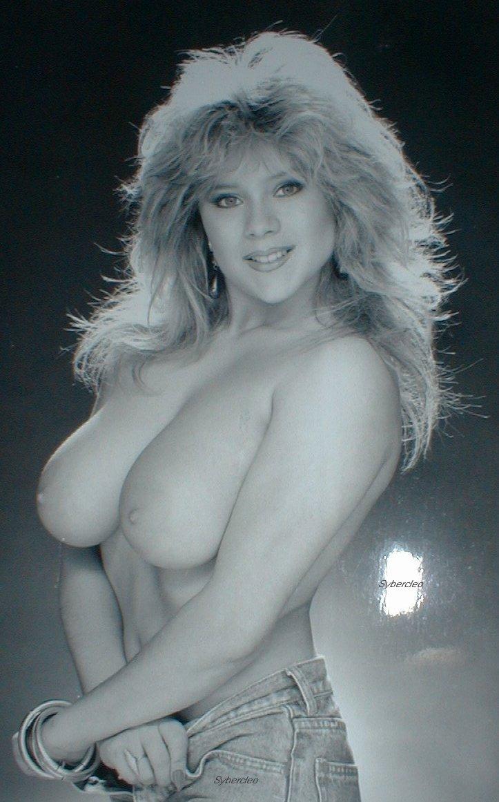 Fox boobs samantha Samantha Fox's