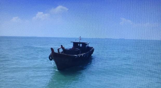 KN Belut Laut-4806 Tangkap Kapal Penampung BBM di Selat Malaka
