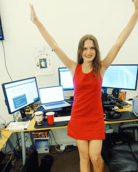 Berkenalan Dengan Laura Medalia, Programmer Cantik Asal Amerika