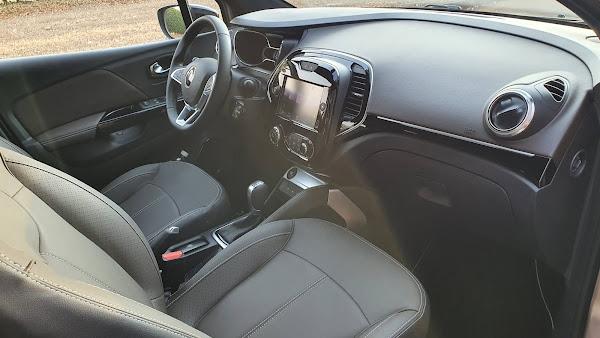 Novo Renault Captur 2022 Turbo - espaço dianteiro
