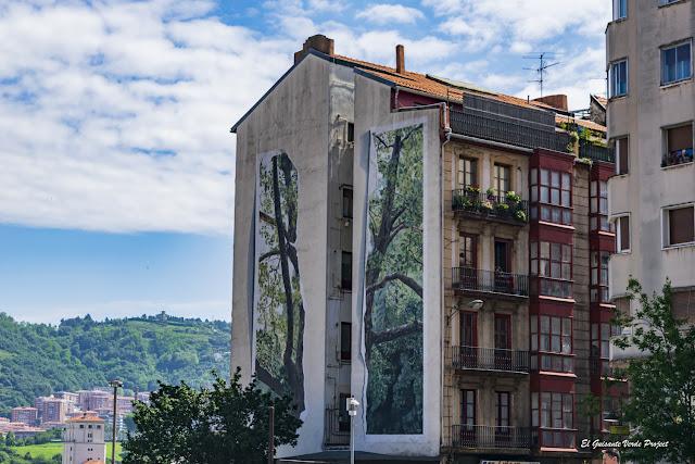 Mural en San Francisco 40, por Juanjo Novella - Bilbao, por El Guisante Verde Project