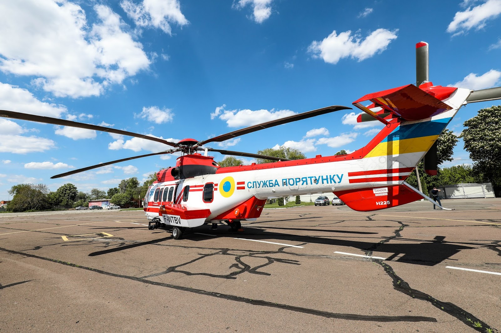 Гелікоптер з бортовим номером 56 (серійний № 2745)