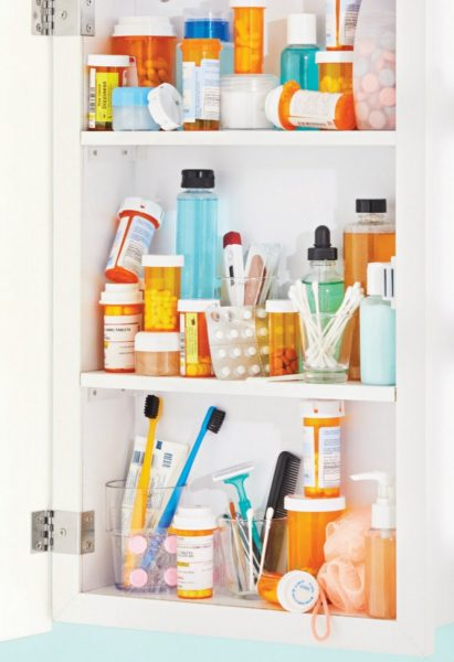 How to Safely Clean Up Medicine Cabinet