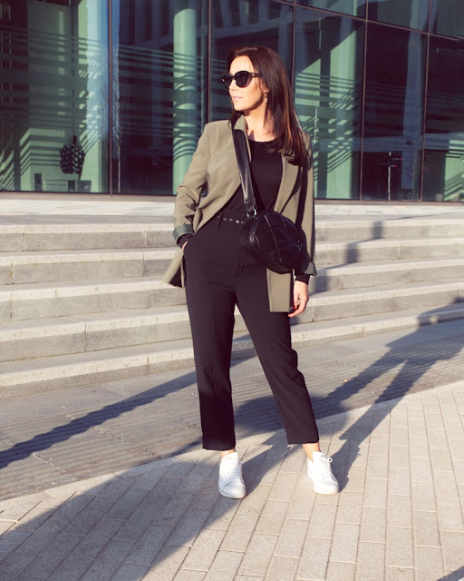 neutral style blazer outfit