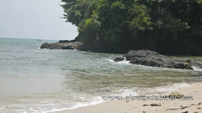 Obyek wisata Pantai Karang Pandan