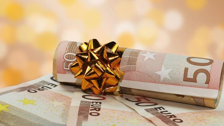 ΟΑΕΔ: Νωρίτερα από κάθε άλλη χρονιά θα δοθεί το Δώρο Χριστουγέννων