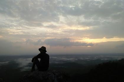 Samudera Awan di Puncak Bukit Suligi Rokan Hulu
