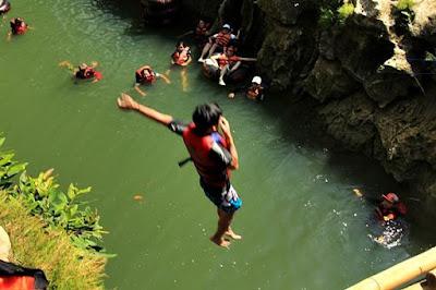 Sensation rafting in the river Oya
