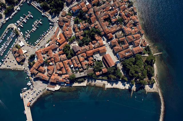 Novigrad Travel Guide