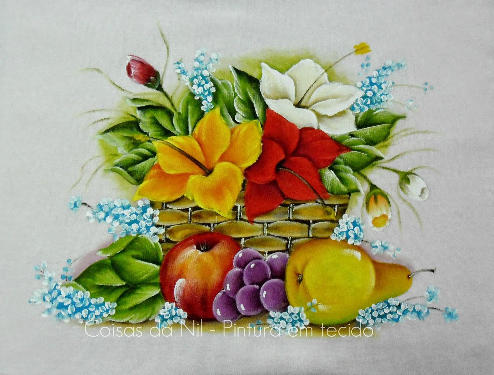 pintura em tecido cesta com hibiscos e frutas