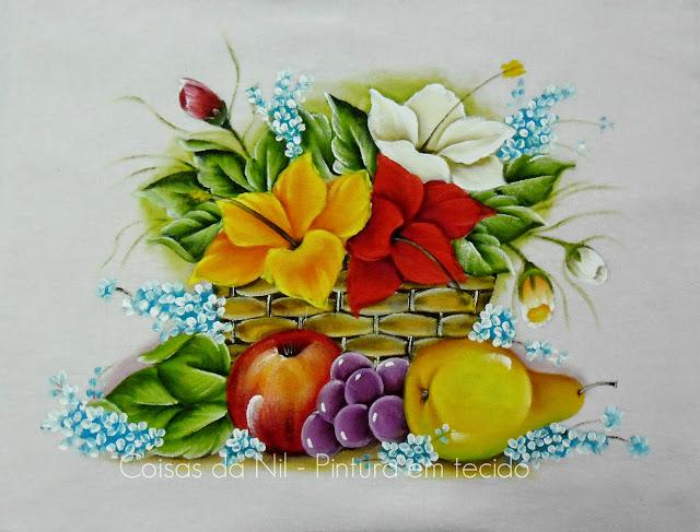 pintura tecido cesta com hibiscos e frutas