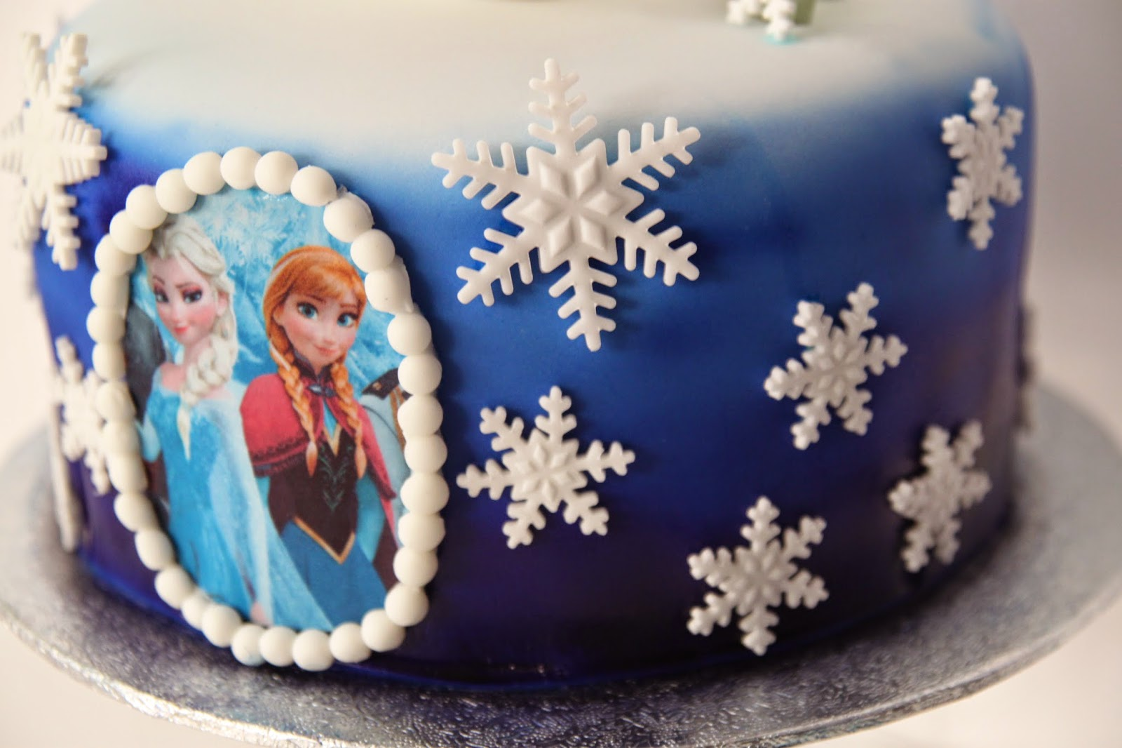 baka elsa tårta