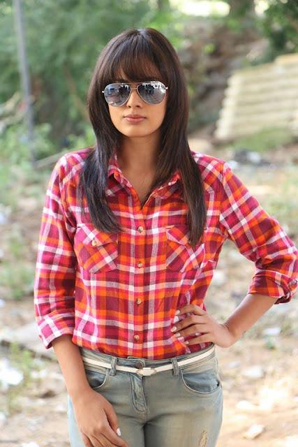 Actress Nandita swetha new images