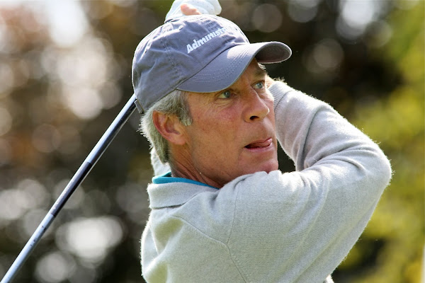Ben Crenshaw, pictured in 2008, is among the Masters defending champs who missed the cut