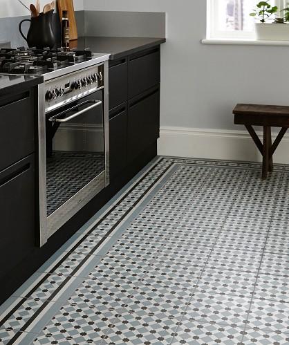 Topps Tiles, Tiles, hallway