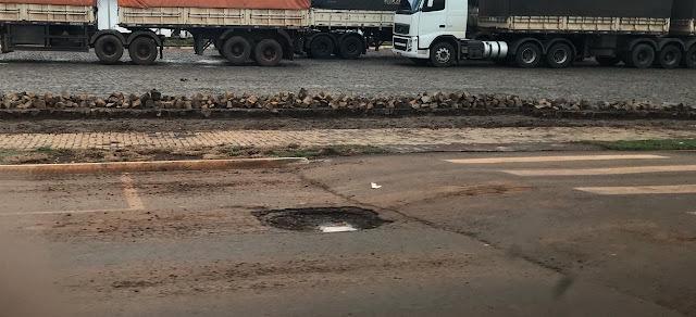 Manoel Ribas: Buraco incomoda motoristas na Sete de Setembro