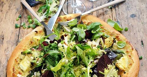 Thumbnail for Pizza verte artichauts et asperges toute ensaladée parce que la salade n'est pas condamnée au second rôle...