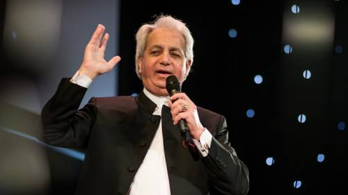 Benny Hinn Takes Swipe At Nigerian Prosperity