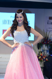 urvashi rautela fashion show photos