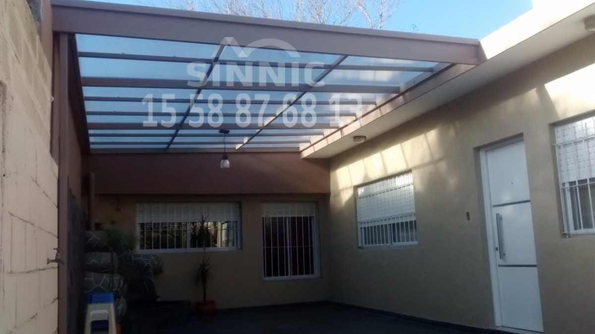 Techo de policarbonato pergolas aleros galeria de for Garajes con techos policarbonato
