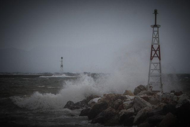 Ισχυρές καταιγίδες και χαλάζι στην Αττική – Πως θα εξελιχθεί η κακοκαιρία