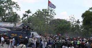 Polisi dan Wartawan jadi Korban saat Bintang Kejora Berkibar di Tengah Amukan Massa Demo