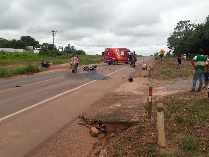 FATAL: Motociclistas morrem após colisão violenta na BR-364