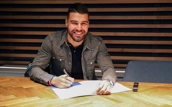Oficial: El Málaga renueva a Alexander González hasta junio de 2022