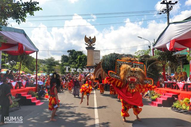 Terima Peserta Trenggalek Ethnic Carnival, Bupati Nur Arifin : Tidak Hanya Tradisi Trenggalek Tetapi Juga Nusantara