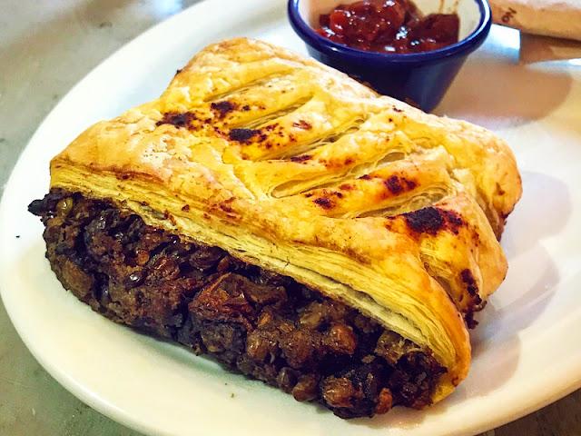 Pinkmoon Moroccan lentil roll