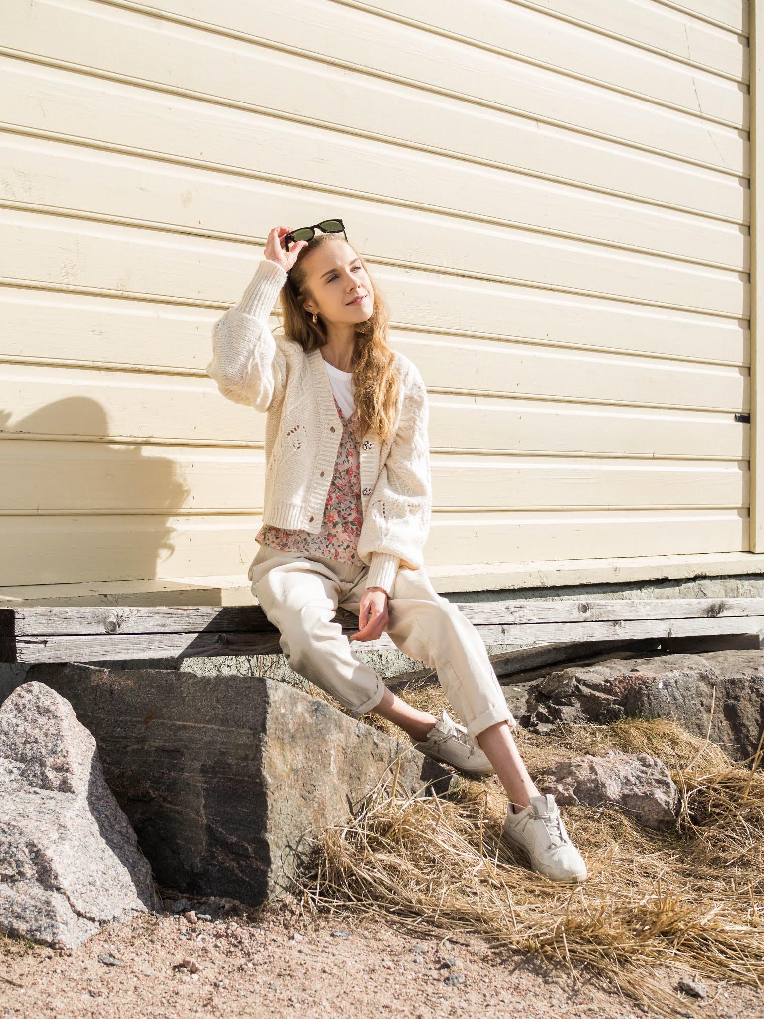 Kuinka pukea kukkapaita, kevätmuoti-inspiraatio // How to style a floral blouse, spring fashion inspiration